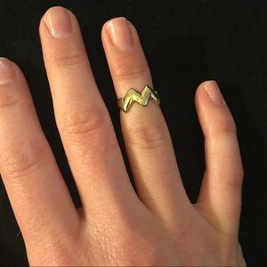 Jewelry - Mini zig zag ring